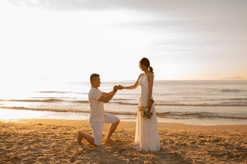 #30 mẫu đầm maxi trắng chụp hình cưới lung linh
