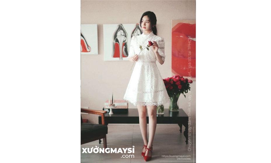Váy đầm màu trắng thể hiện sự thanh khiết, tinh tú