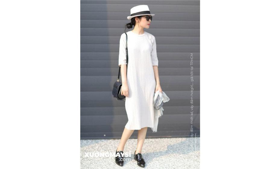 Đầm suông dự tiệc form dài Màu trắng tinh khôi là màu luôn được các chị em lựa chọn cho đầm váy đi dự tiệc.