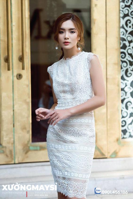 Đầm ôm vải ren tay ngắn