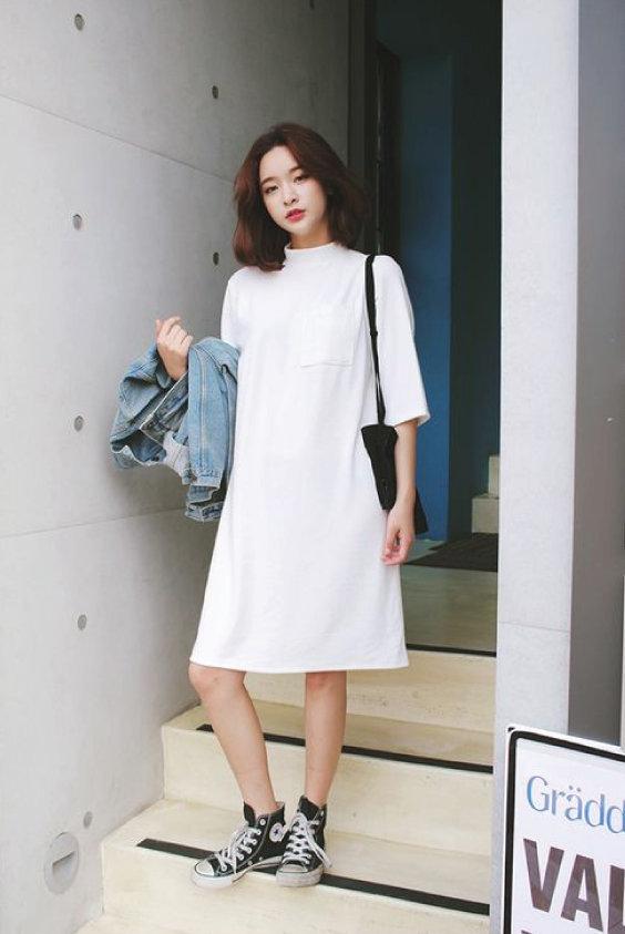 Đầm oversize dạo phố thanh lịch