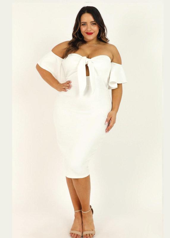 Đầm ôm body trắng dự tiệc cho người mập