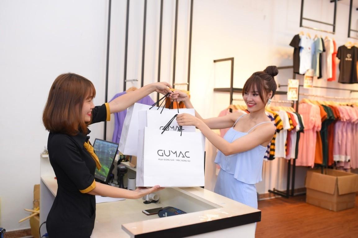 Gumac là thương hiệu thời trang nổi tiếng được nhiều sao hạng A sử dụng sản phẩm