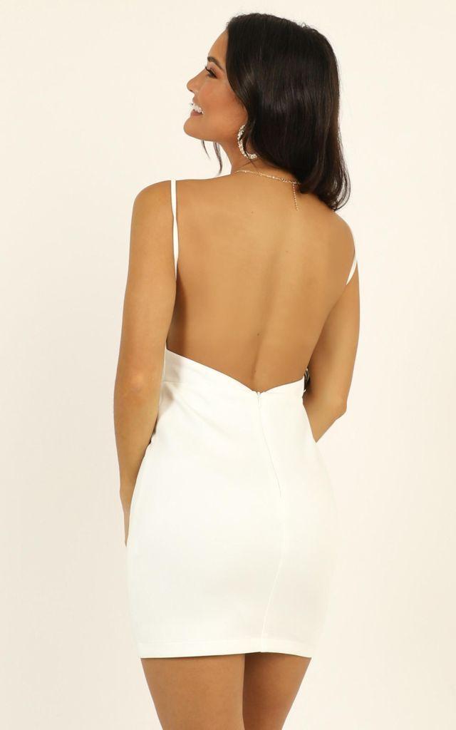 Váy ôm 2 dây hở lưng dáng ngắn quyến rũ