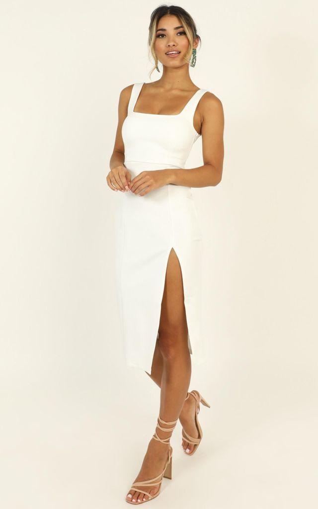 Váy ôm body 2 dây dáng dài qua gối xẻ tà