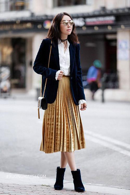 Chân váy xếp ly phối với áo sơ mi áo khoác nhung cao cấp