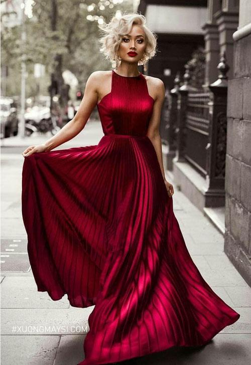 Đầm dự tiệc lung linh sặc sỡ dành cho nữ thấp