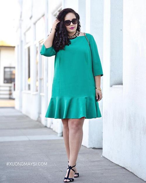 Phối váy đầm suông đuôi cho người béo tự tin dạo phố