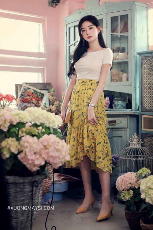 Chân váy maxi hoa phong cách vintage cho nàng nấm lùn