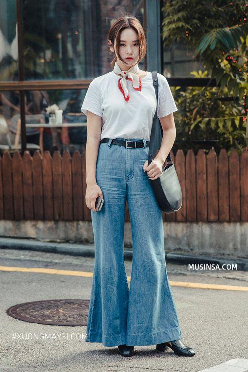 Phối quần jean ông loe cực kỳ cute cho bạn nữ nấm lùn
