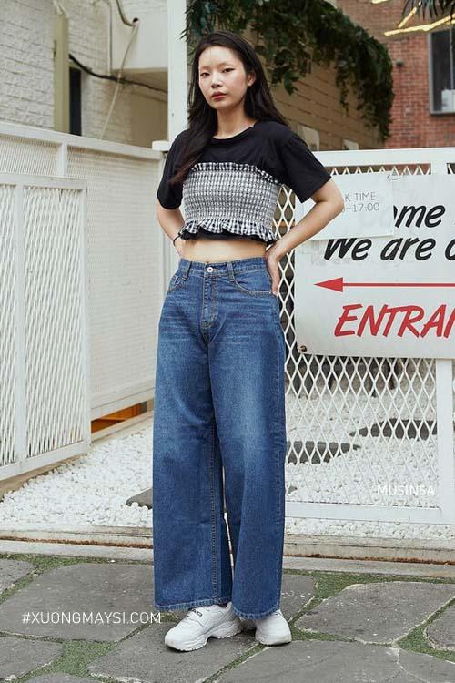 Phối quần jean cạp cao với croptop tự tin cho người lùn
