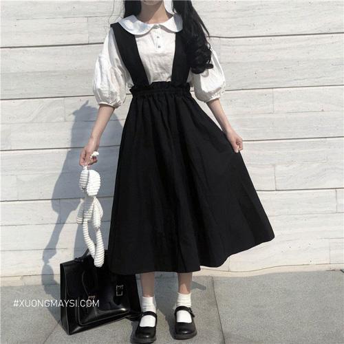 Phối váy yếm dài tông trắng đen vô cùng xinh xắn c
