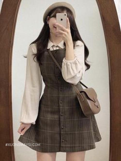 Phong cách vintage cùng áo tay phồng và váy caro