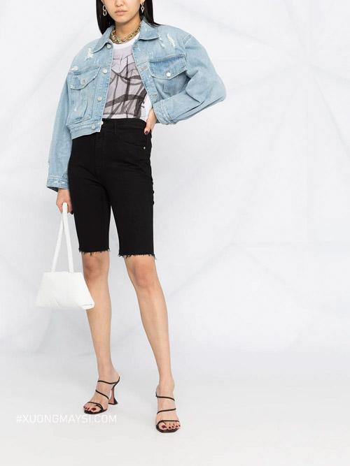 Áo khoác jeans denim với màu sắc và kiểu dáng độc đáo dành cho nữ