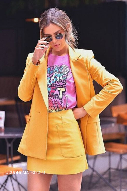 Outfit sẽ trở nên thu hút khi bạn sử dụng hai gam m