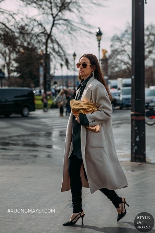 Áo khoác da màu ghi hiện đại và sang trọng cho phái nữ