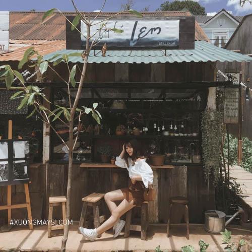 check-in tại một quán cafe tại Đà Lạt