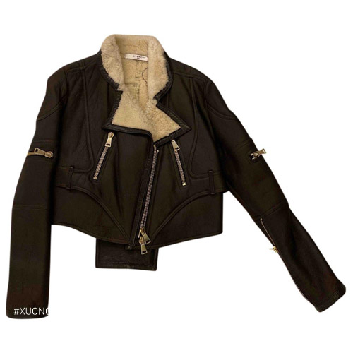 Áo khoác da với zipper độc đáo, phong cách hiện đại cho nữ là sản phẩm được bán chạy của Givenchy