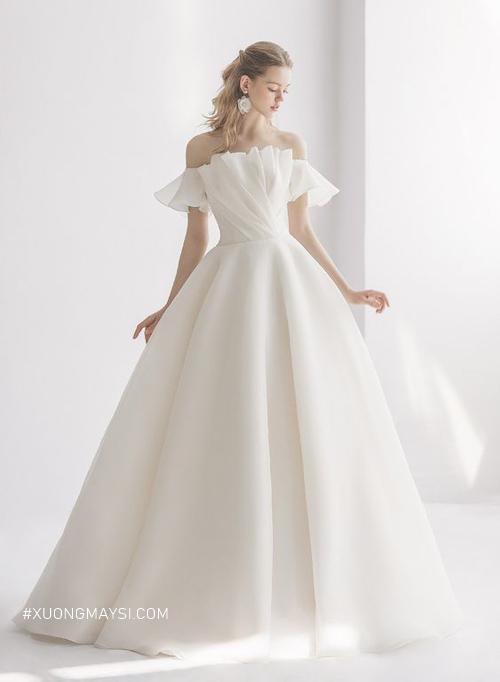 Tinh khiết và mảnh mai với thiết kế váy trễ vai