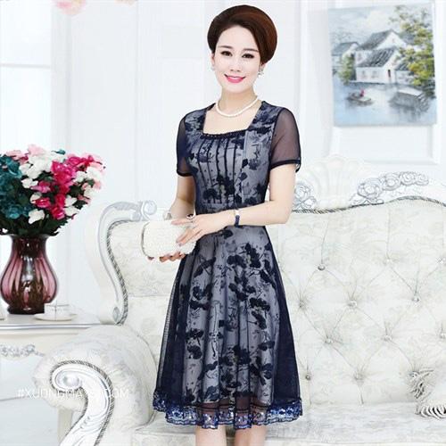Đầm trung niên cổ vuông hiện đại, thời trang dành cho các quý cô