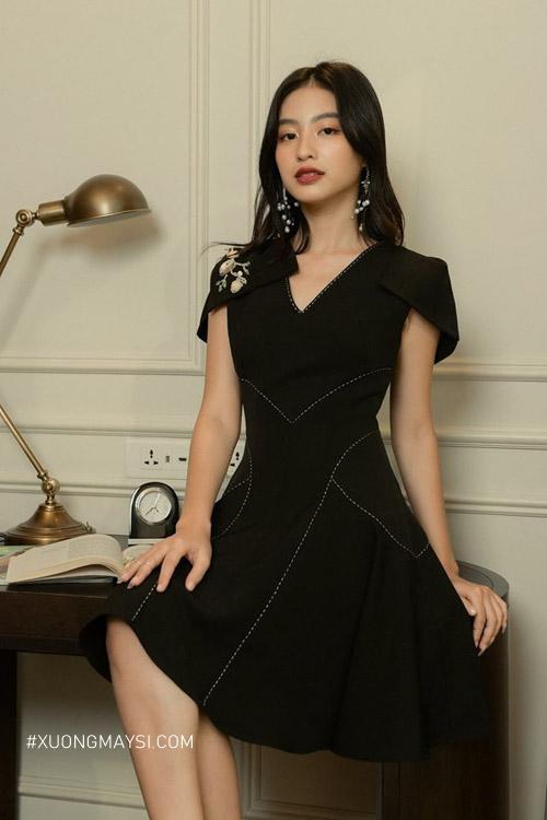 Đầm dạ hội đen vô mang vẻ đẹp của sự huyền bí và quyến rũ dành cho nữ