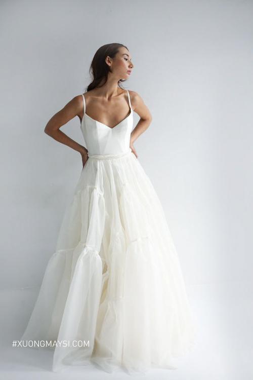 Nàng thêm phần trong trẻo, đẹp mắt trong bộ áo cưới