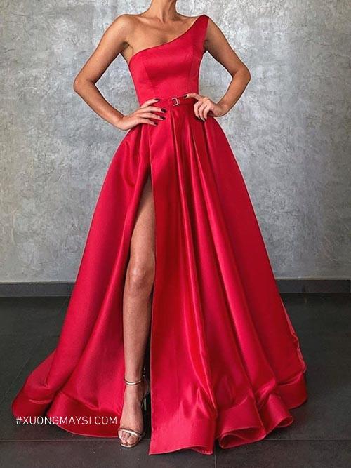 Đầm dạ hội lệch vai đem lại sự quyến rũ và quý phái cho nữ khi xuất hiện