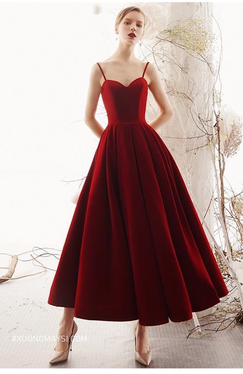 Vô cùng sang trọng và cuốn hút với váy cưới màu đỏ