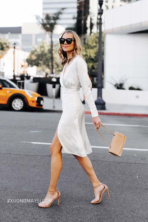 Đầm trắng được khá nhiều phụ nữ sử dụng cho những lần xuất hiện lộng lẫy