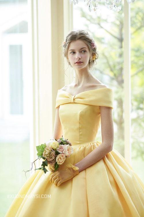 Màu vàng trong ngày cưới mang đến cảm hứng tươi vui, lạc quan