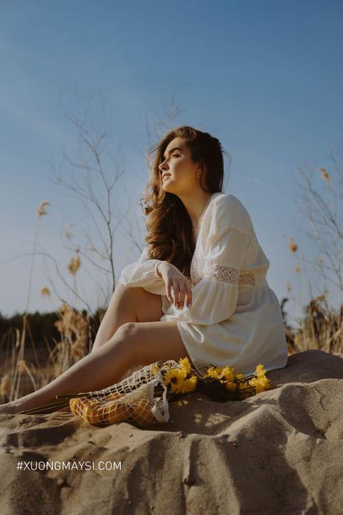 Phong cách của những chiếc đầm trắng đi biển mang đến cảm giác thoải mái và thời trang dành cho các bạn nữ