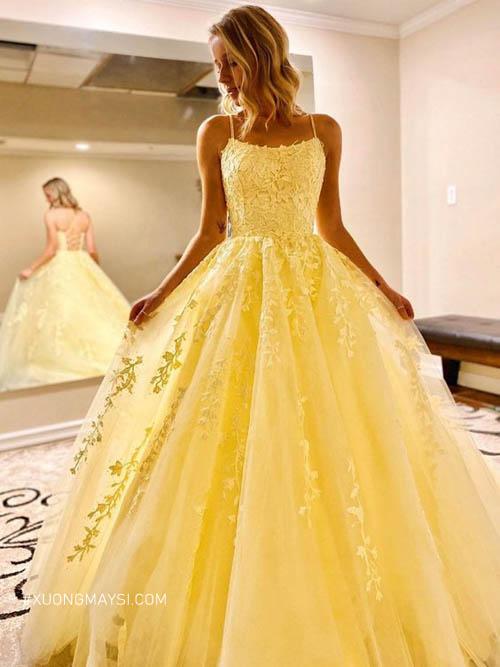 Váy cưới màu vàng mang mong muốn bền chặt, dài lâu của cô dâu