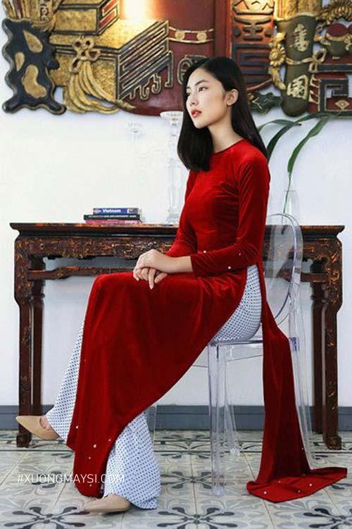 Nền nã và kiêu sa khi nàng diện lên mình áo dài màu đỏ trong ngày cưới