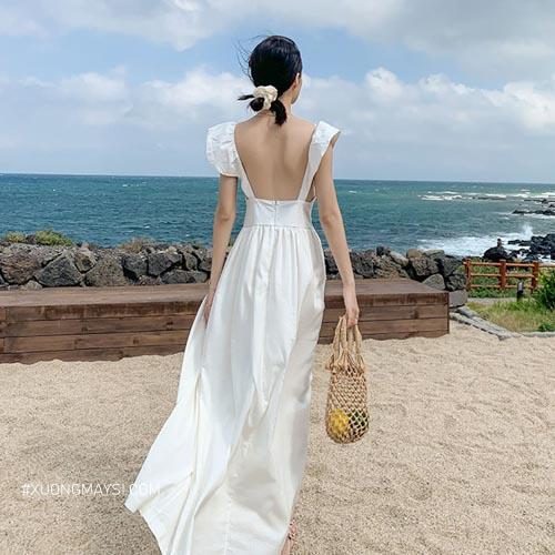 Đầm trắng đi biển nổi bật với phong cách 2 dây thời trang cho các bạn nữ