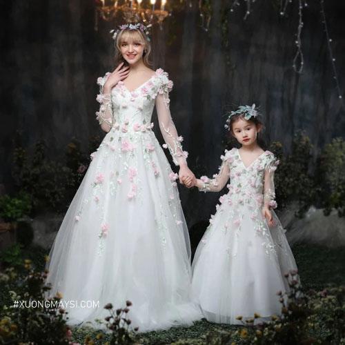 Đầm trắng công chúa với kiểu dáng tôn lên vẻ đẹp của sự trong trẻo, ngây thơ, sang trọng