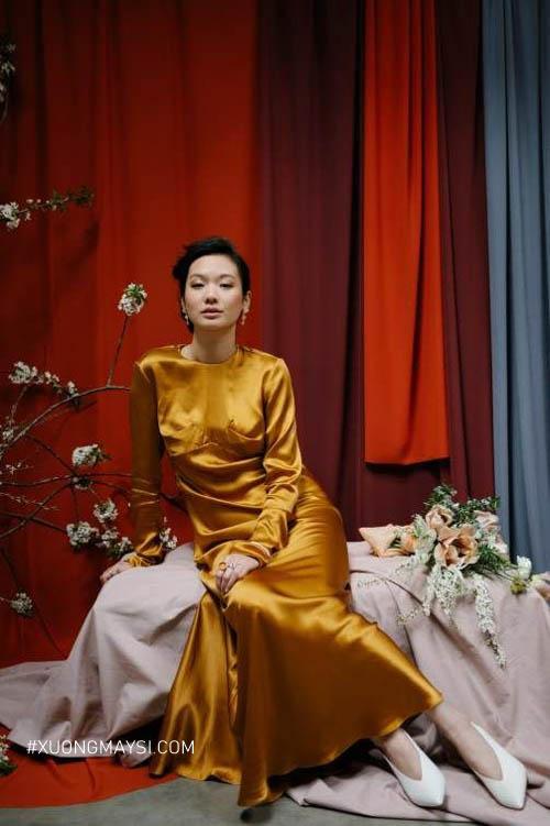 Quyền lực, sang trọng và quý phái trong chiếc váy cưới màu vàng đồng