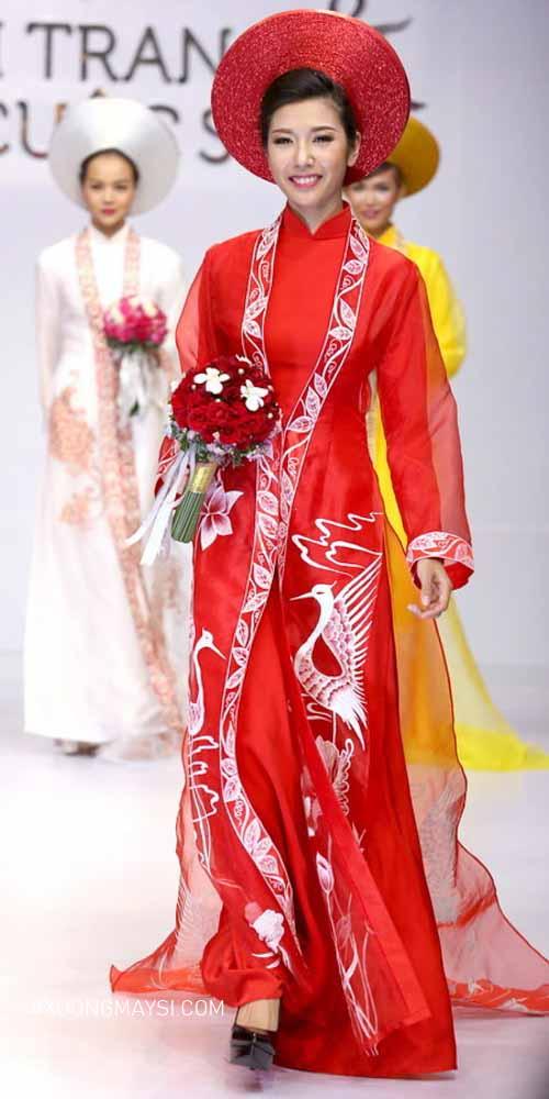 Đằm thắm và xinh đẹp trong chiếc áo dài cưới truyền thống