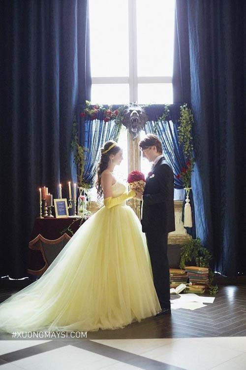 Nàng trở thành một nàng tiểu thư ngọt ngào trong mẫu váy cưới công chúa màu vàng