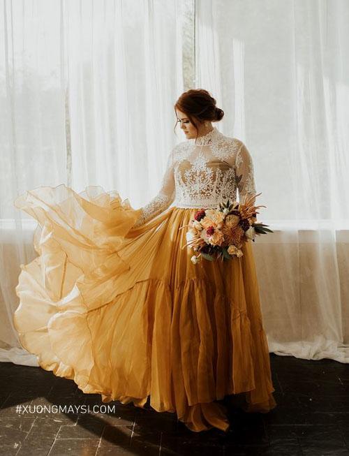 Một chiếc váy cưới bigsize màu trắng và vàng cho cô nàng mũm mỉm