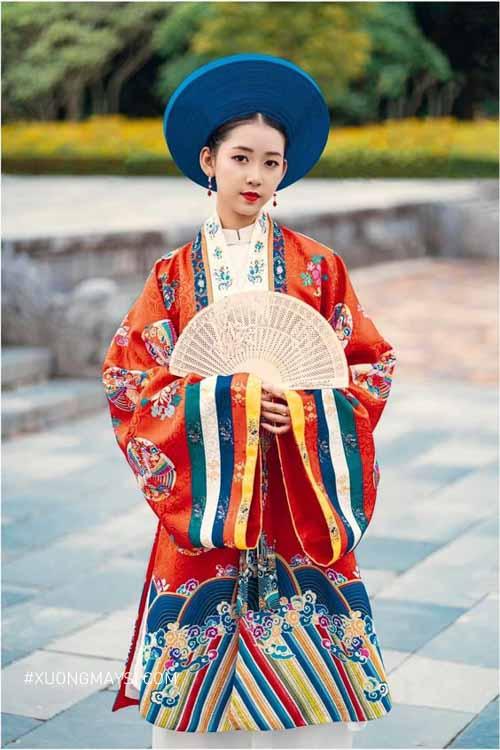 Nét đẹp truyền thống, cổ xưa toát lên qua áo dài Nhật Bình