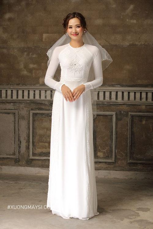 Số đo cơ thể chính xác khiến chiếc áo cưới dài cực kỳ tôn dáng