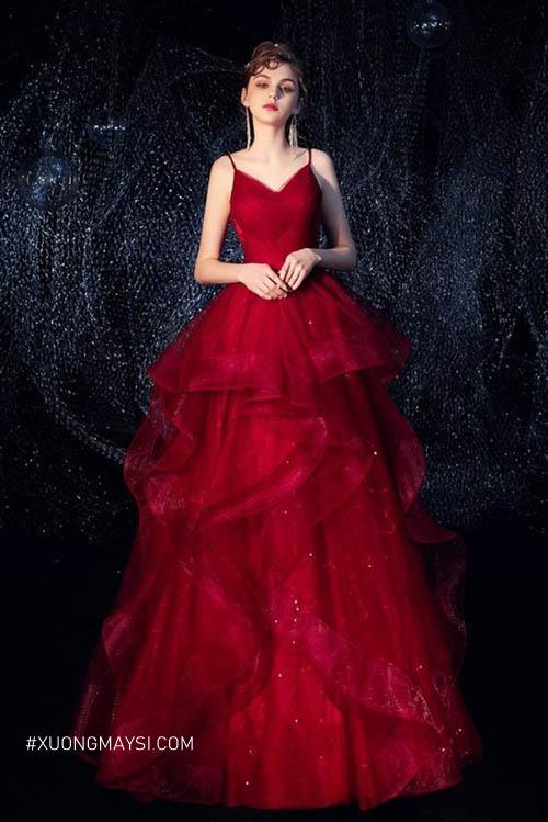 Thêm những chi tiết xếp ly sẽ khiến cho chiếc váy đơn giản có thêm điểm ấn tượng